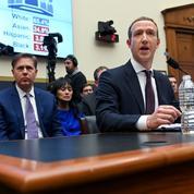 Facebook aide ses employés à répondre aux questions gênantes avec un chatbot