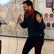 «The Voice»: un ancien gagnant chante dans le métro parisien