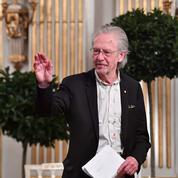 Au cœur de la polémique, Peter Handke reçoit le prix Nobel de littérature à Stockholm