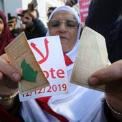 Présidentielle algérienne: cinq candidats tous issus d'un «système» honni par les manifestants