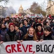 Au 6e jour de grève dans les transports, la mobilisation marque le pas dans la rue