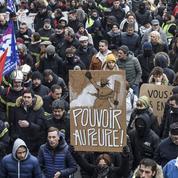 Retraites: «Derrière le mouvement social, la crise du régime politique»