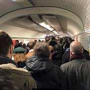 Grève du 11 décembre: scènes de cohue dans le métro parisien ce matin