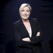 Grèves: Marine Le Pen demande une trêve pour les fêtes