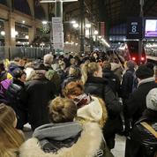Grèves: à l'approche de Noël, les Français inquiets pour leurs congés
