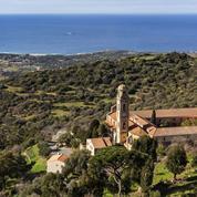 En Corse, au Mont-Saint-Michel ou dans les cimes: notre guide des retraites spirituelles