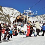 Les stations de ski slaloment entre les grèves