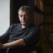 Pierre Lemaitre fustige les «embourgeoisés Renaud et Souchon» qui encensent Macron