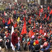 En Inde, les classes populaires en lutte pour leurs salaires