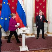 Angela Merkel épaule Vladimir Poutine sur la Libye