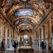 Les joyaux de la couronne française ornent de nouveau la galerie d'Apollon du Louvre