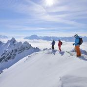 Ski en liberté et panorama à St. Anton, dans les Alpes autrichiennes