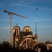 Défaut de sécurité à Notre-Dame: des intrus grimpent jusqu'à la cabine de la grue