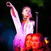 Un artiste hip-hop poursuit Ariana Grande pour plagiat