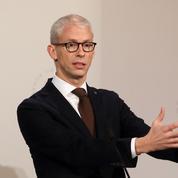 Riester rejette «les coups de force ou de com» qui paralysent le monde de la culture