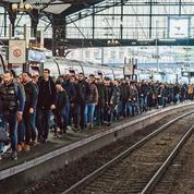 Les grèves mettent la France à l'arrêt