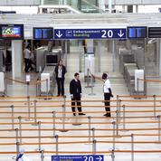 Radicalisation dans les aéroports: des «badges rouges» scrutés mais peu écartés