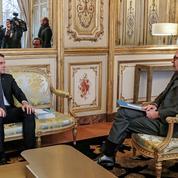Comment Emmanuel Macron veut renouer avec sa majorité