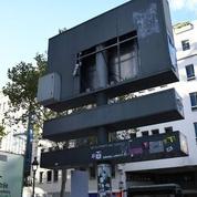 Deux hommes en garde à vue après le vol du pochoir de Banksy en plein Paris