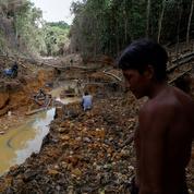 Bolsonaro à l'assaut des Indiens d'Amazonie