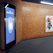 Pollution, risques sanitaires... L'interdiction de la publicité numérique dans l'espace public fait débat