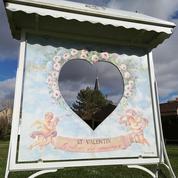 Virée romantique à Saint-Valentin, le village qui n'a que l'amour