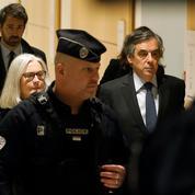 Après un faux départ, le procès de François et Penelope Fillon reprend ce mercredi