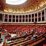 Réforme des retraites: Emmanuel Macron se prépare à brandir le 49-3