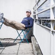 Après plusieurs années à la rue, il crée sa start-up à la station F