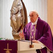 Le pape va mieux, selon des évêques français