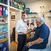 Coronavirus: les médecins de ville, inquiets et déjà en première ligne