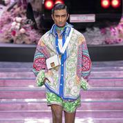 Mode: comment porter l'imprimé foulard?