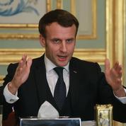 Coronavirus: pour ses détracteurs, Macron n'est pas assez autoritaire