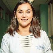 Au Chili, la présidente de l'Ordre des médecins, Izkia Siches, crève l'écran