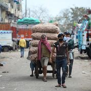 Face au coronavirus, l'Inde assigne à résidence 1,3 milliard d'individus