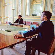 Emmanuel Macron et Édouard Philippe changent de ton