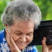 Coronavirus: quand la BBC offre des radios aux seniors britanniques
