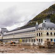 Canfranc, la renaissance d'une gare fantôme au cœur des Pyrénées