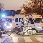 Coronavirus: la police au chevet des malades transférés