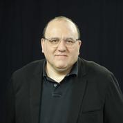 Julien Dray: l'autorité du chef de l'État «est au jourd'hui sur la sellette»