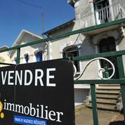 Taux relevés: mauvaise surprise pour les acheteurs en quête de crédit immobilier