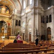 Les prêtres présents de la fin de vie aux funérailles