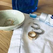 Comment nettoyer ses bijoux à la maison?