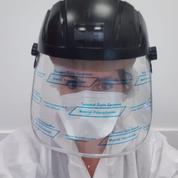 Amélie, médecin: «Je porte une blouse de peintre, un masque de soudeur, et des gants d'entretien»