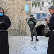 Vendredi Saint: à Jérusalem, quelques franciscains sur la Via Dolorosa