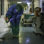 Coronavirus: des soignants soumis à rude épreuve