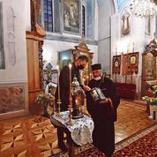 Kiev étouffe à l'heure de la Pâque orthodoxe