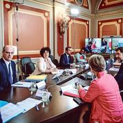 Déconfinement: Édouard Philippe passe le relais aux élus locaux