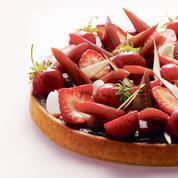 La recette de tarte à la fraise et à la rhubarbe de Claire Heitzler