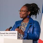 «En triant les articles de presse, le gouvernement tente de recréer un ministère de l'information»
